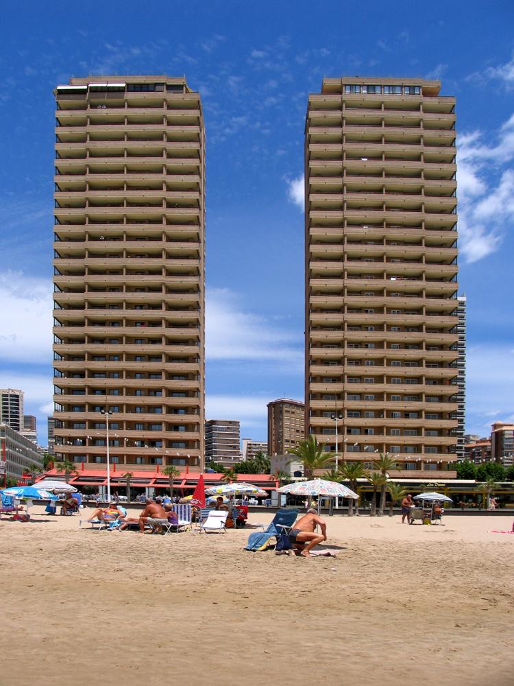 Appartementen les dunes suites accommodaties in benidorm for Jardin rosa alcoy