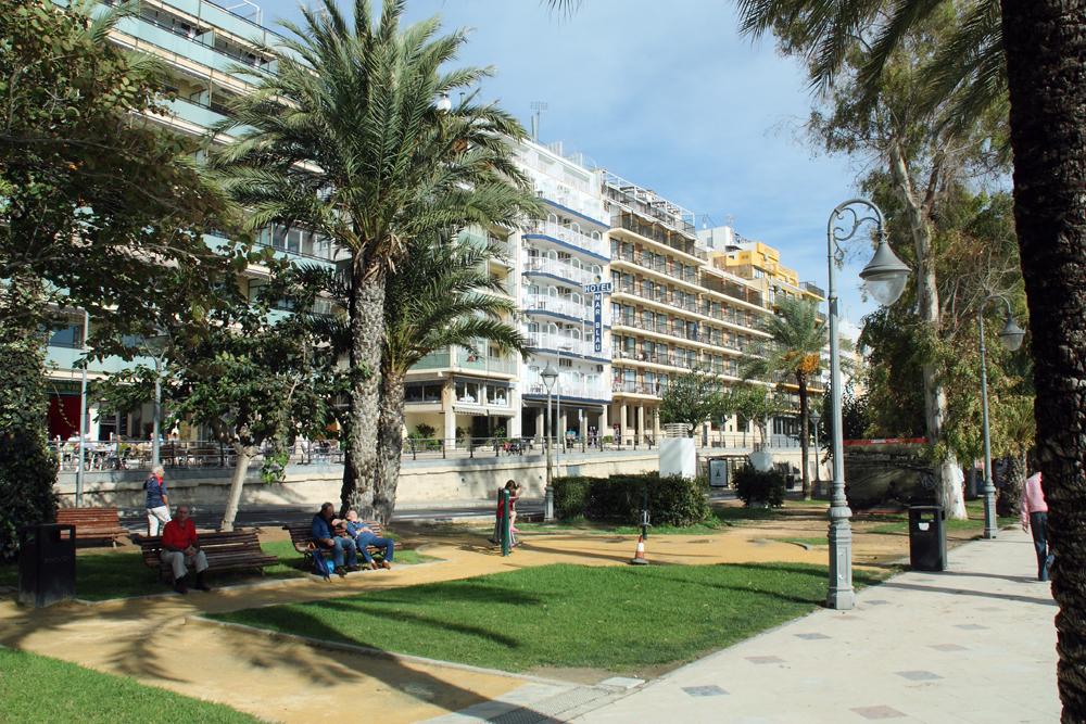 Hotels accommodaties in benidorm for Jardin rosa alcoy
